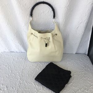 LIKE NEW! Gucci Creamy White Summer Bamboo Handle